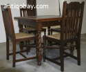 Diningtable with 6 chairs.